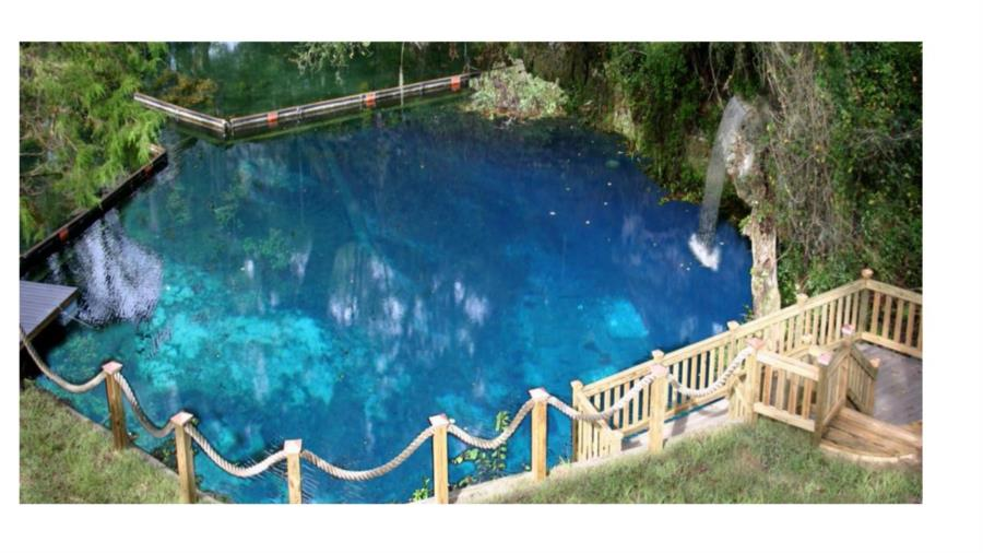 Blue Grotto Dive Resort - Overall view of the Blue Grotto entrance