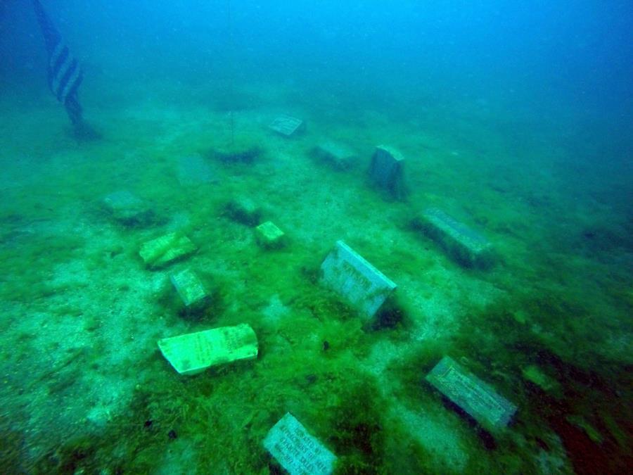 White Star Quarry - Underwater Cemetery