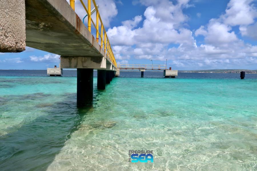 Windsock - 9-28-17 Windsock fuel pier Treasure By The Sea Bonaire