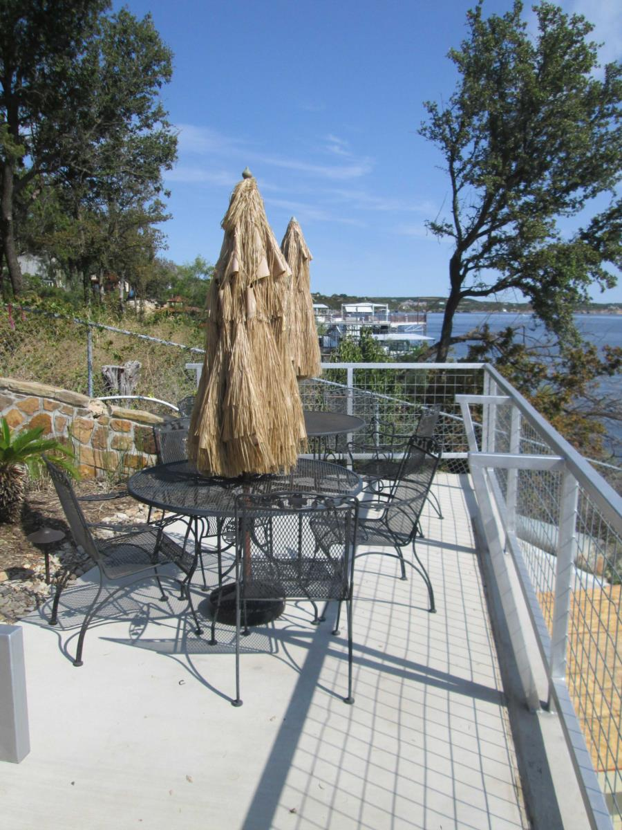Possum Kingdom Lake - Lush Resort - Sunny mid deck