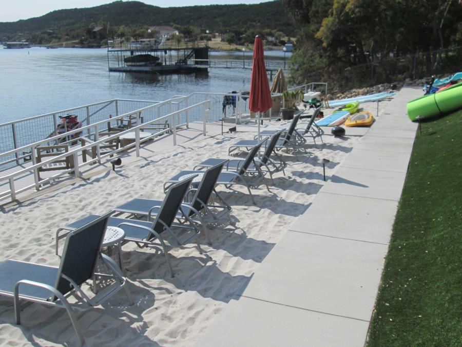 Possum Kingdom Lake - Lush Resort - Lower beach