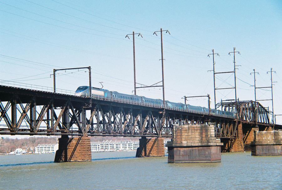 HDG Old Railroad piers - Old Bridge Piers