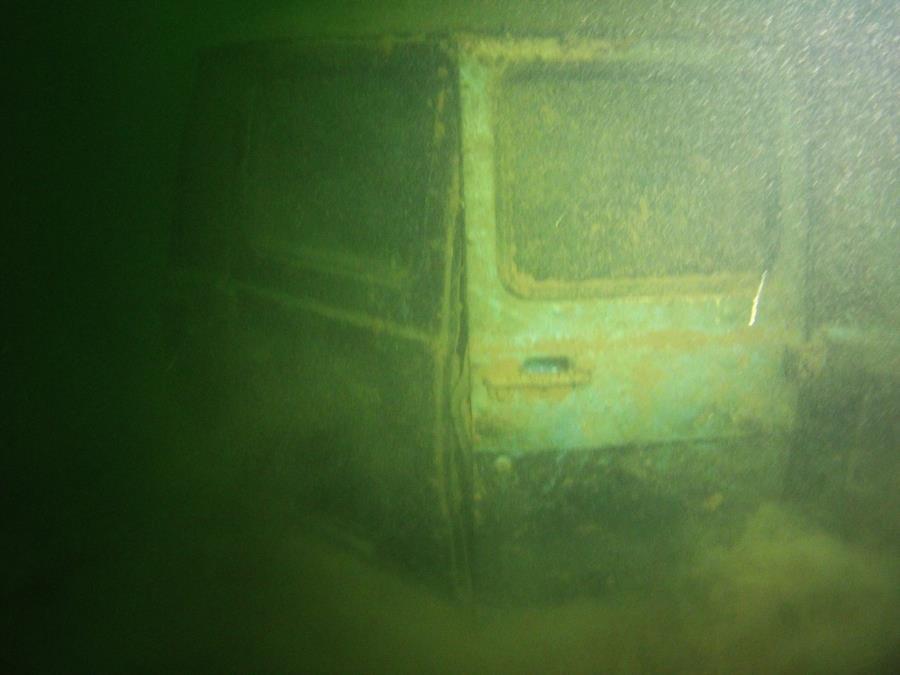 Norris Lake-Sunken Van - Old Ford Van Photo 2