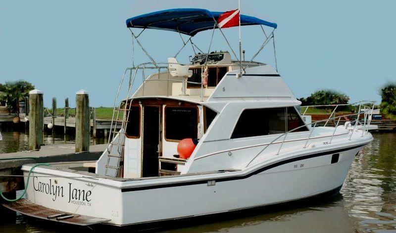Ultra Dive dive boat