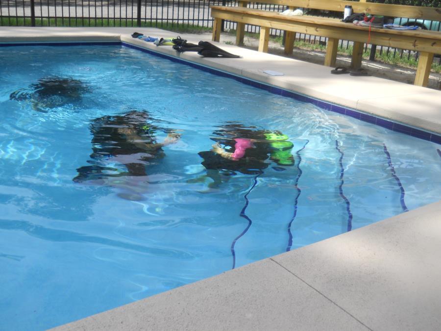 My Daughter Carina Pool Training w Mike Thompson of Scuba DreamInn