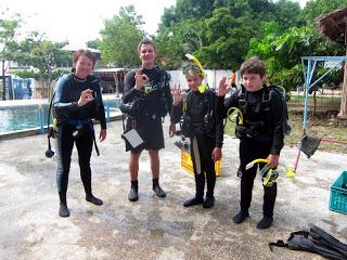 OWD and Jr. OWD course with Tiina, Vihtori and Nestori. Fun diving in Hilutungan and Nalusuan with s