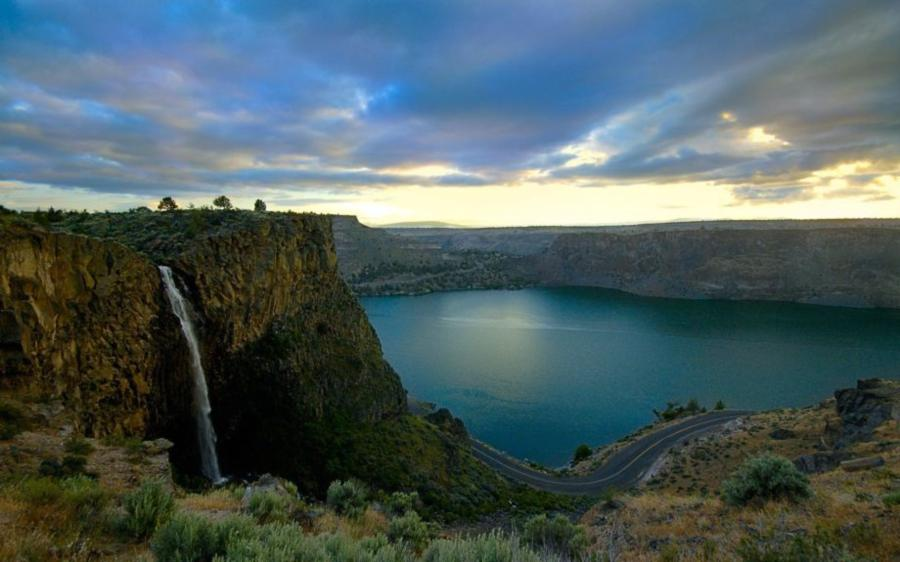 Lake Billy Chinook near Madras, Oregon