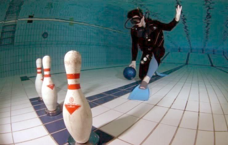 Underwater Sports (Bowling)