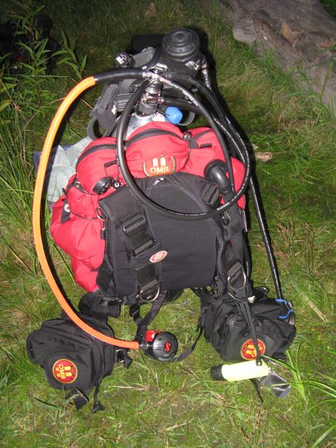 My rig getting ready to dive the CT river.  Thanks for the use of the AGA Bus_Diver.