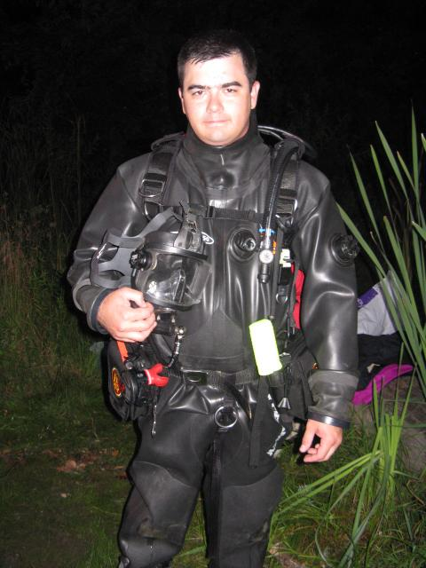 Here i am getting ready to dive the CT river.  Thanks for the use of the AGA Bus_Diver.