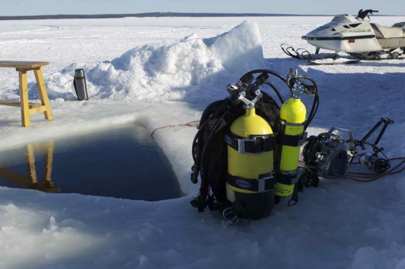 Maina, ice hole in White Sea