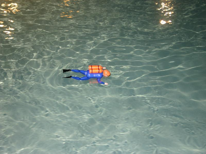 Mini Me, Blue water dive