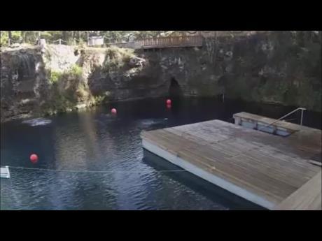 Blue Grotto Dive Resort - Virgil