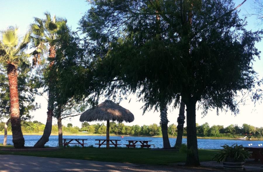 288 Lake - 288 Lake - Houston's Premier Open Water Experience!