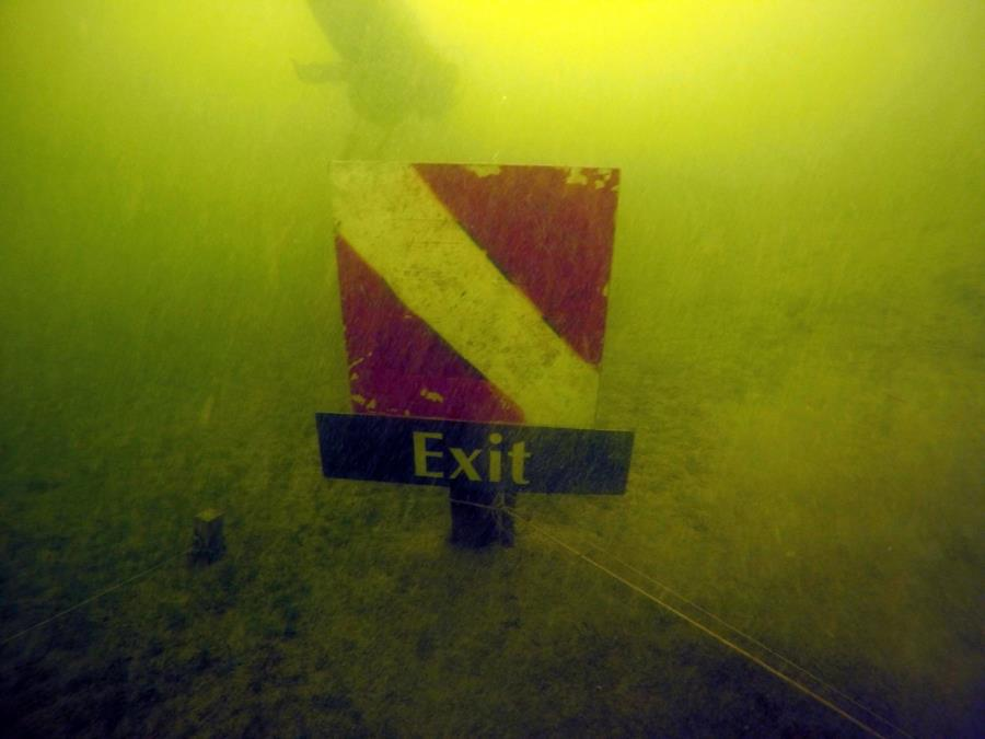 Lime lake - Exit sign