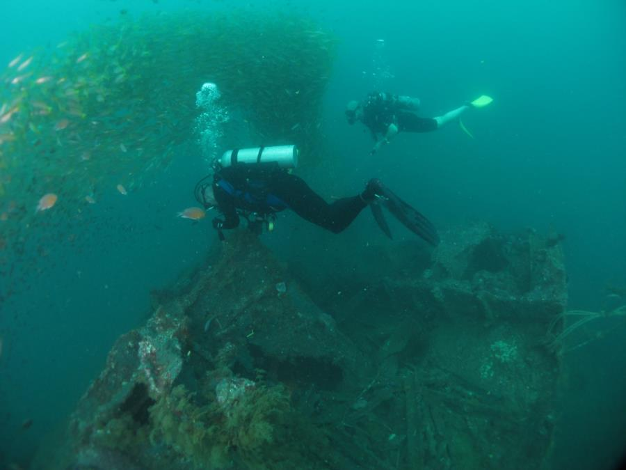 USS Salute (American wreck) - Salute Dive Feb 2017