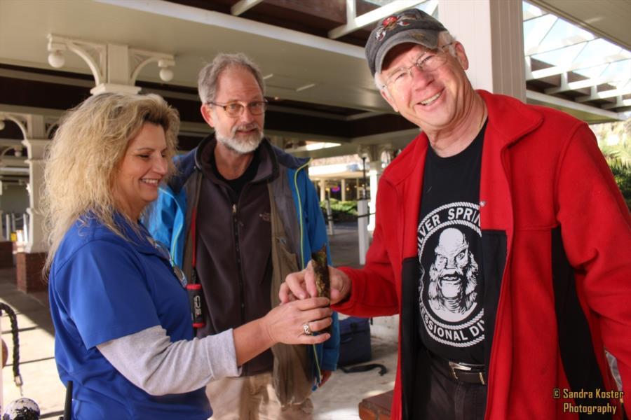 Silver Springs State Park - Priscilla, Alan & Joe holding a bone for investigation.