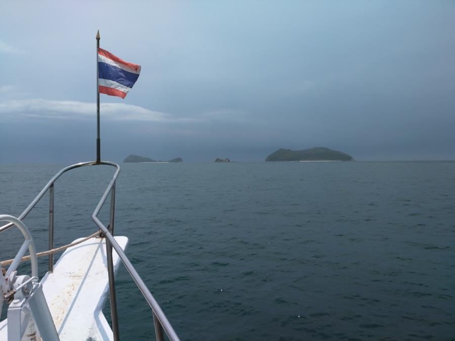 Koh Lan - Pattaya Near Islands Dive Sites 1