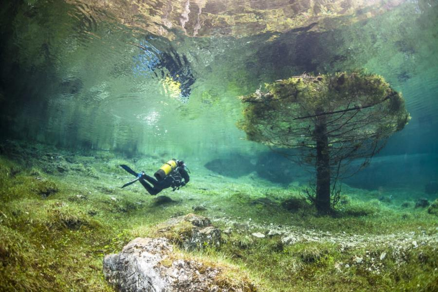 Underwater Park at Green Lake in Tragoess, Austria