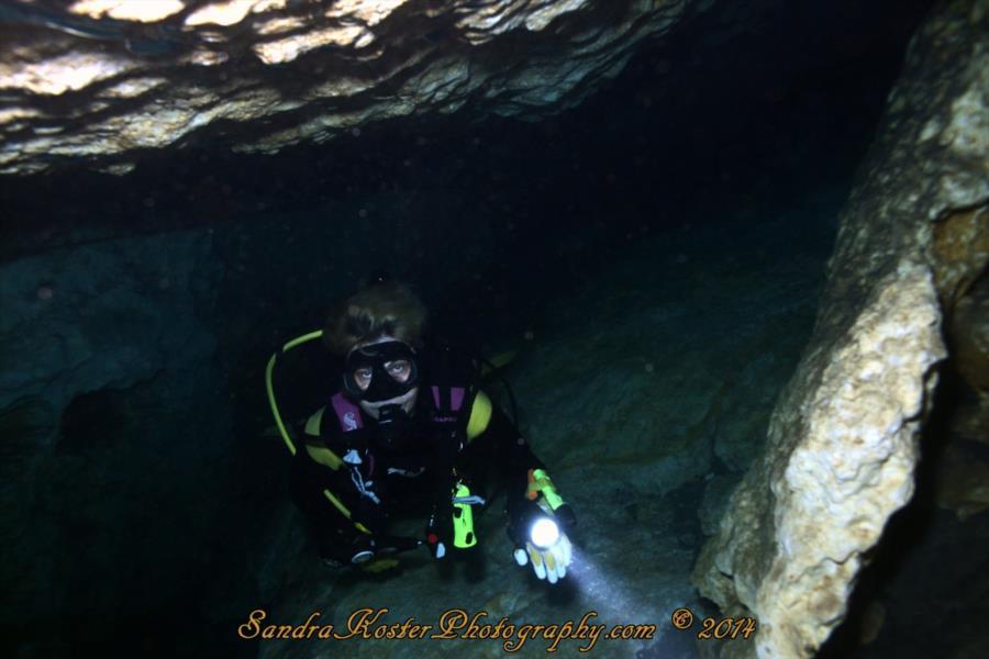 Sandy in a swimthrough at Devil's Den, FL
