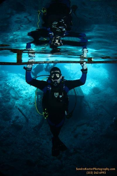 Just hanging out at the diving bell and testing new gear at the Blue Grotto Dive Resort, Williston F