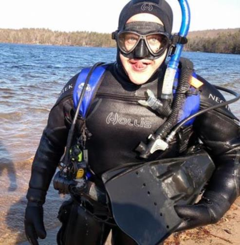 Last dive before knee injury