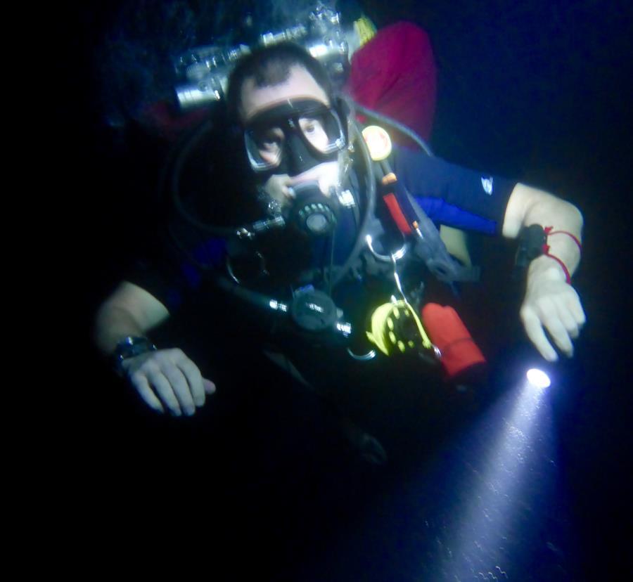 TEC night dive in Philippines