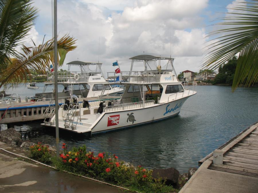 Dive Boat St. Lucia