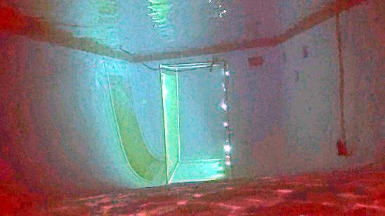 Underwater green screen 12' deep