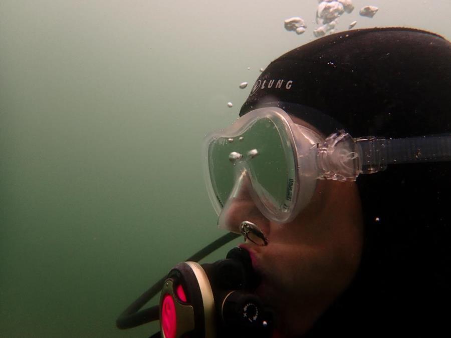 Stealth scuba diver