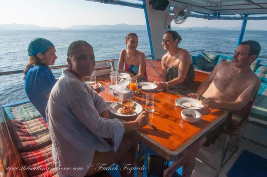 Diving cruises members