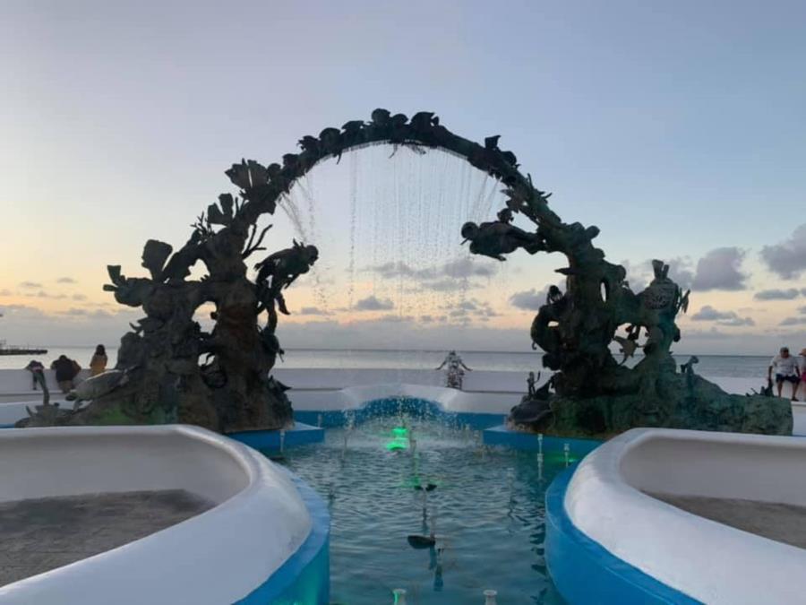 Cozumel - Diver's sculpture