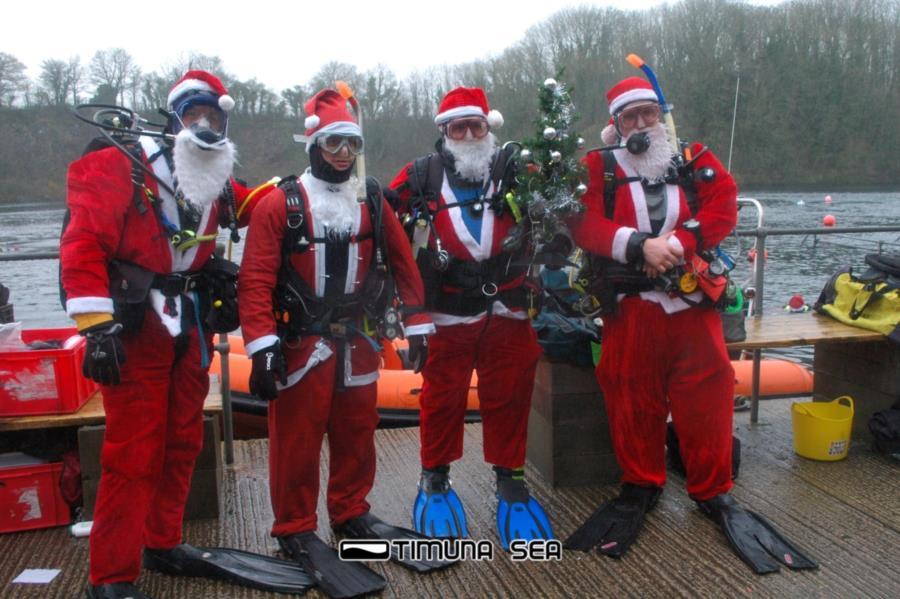 Scuba Diving Santas