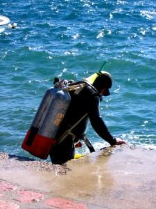 How To Use Spearfishing Equipment Safely