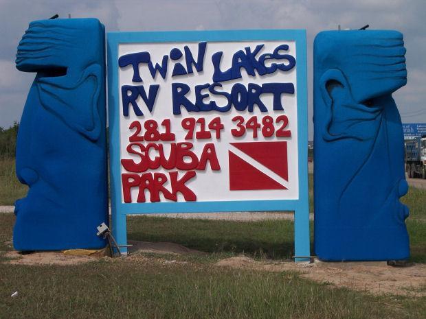 Twin Lakes Scuba Park - At entrance along Hwy 6.