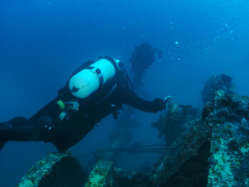 Texas Clipper - Divers Explore the Clipper