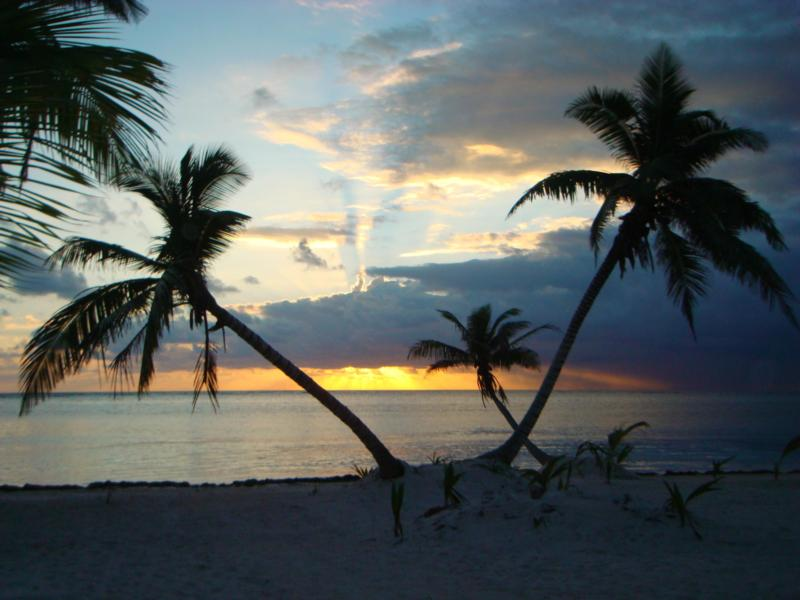 Punta Gruesa - Sunrise looking out over the reef