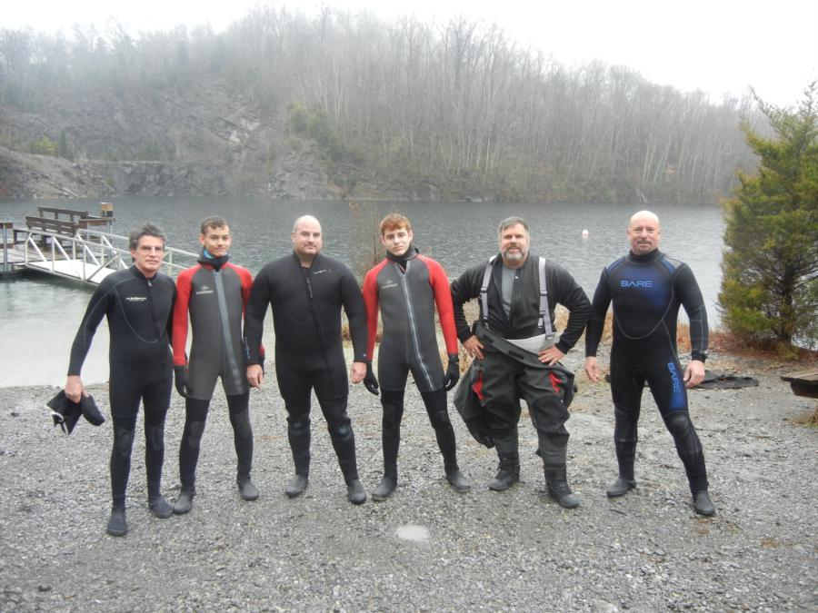 Loch Low-Minn Quarry - Group of divers on New Years Day, Loch Low-Minn, TN