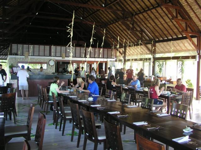 Wakatobi Dive Resort - Dinning room