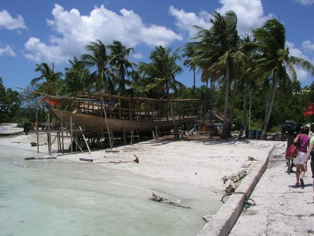 Wakatobi Dive Resort - Diveboat under construction