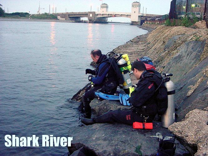 Shark River Inlet - Shark River NJ - Reviewing the Dive Plan