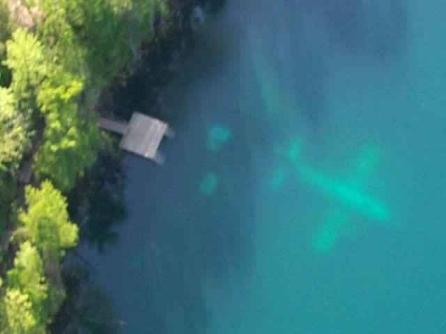 Gilboa Quarry - Aerial view of plane through clear water