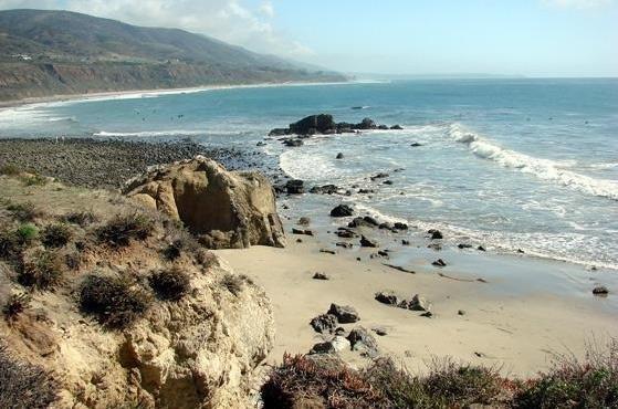 Leo Carrillo State Beach - Beach entry at Leo Carrillo in CA