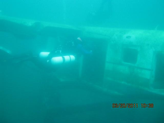 Plane and SM Diver