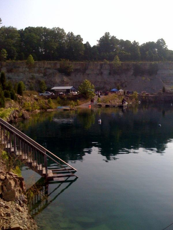 Falling Rock Quarry dive site