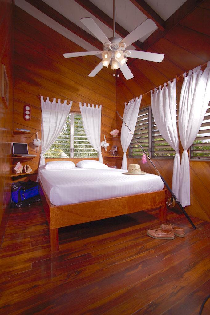 Lodge Reef Room