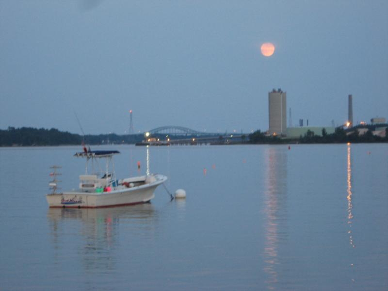 Dive boat moored on the mighty Piscataqua River