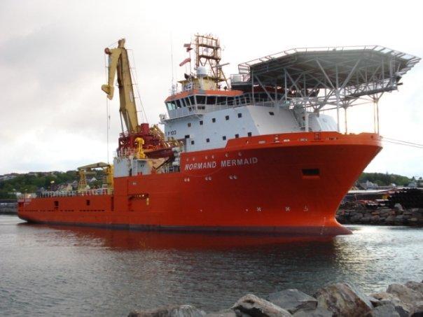 DSV diving vessel