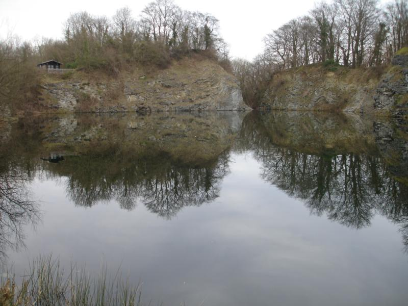 another 8m quarry with sunken boats included