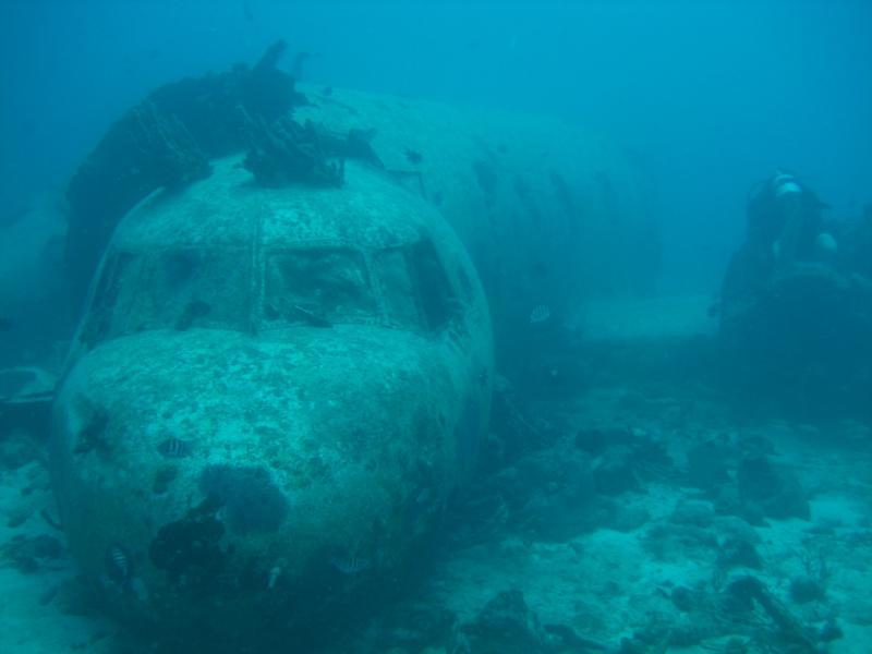 Smuggler Airplane Wreck in Aruba 9/2011